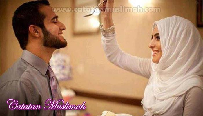 7 Sendi Kebahagiaan Suami Istri Dalam Pandangan Islam