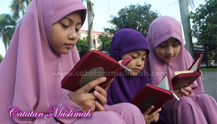 Tips Mengajarkan Anak Menghafal Al-Qur'an Sejak Usia Dini