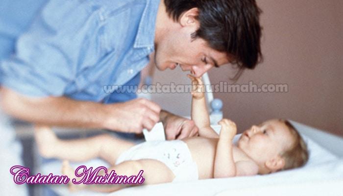 Anjuran Suami Membantu Pekerjaan Istri