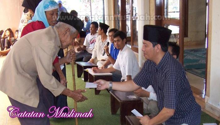 8 Golongan Orang Yang Berhak Menerima Zakat