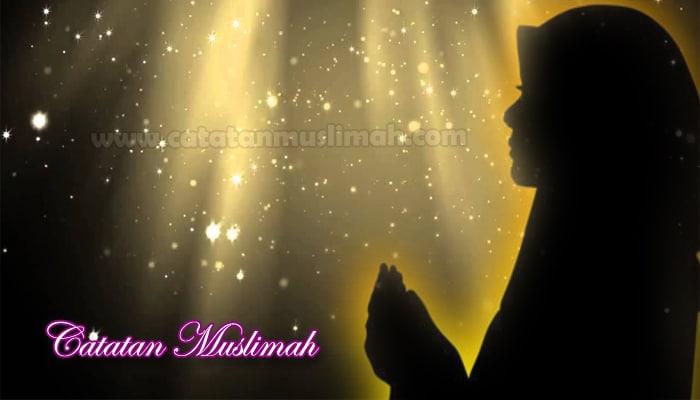 Tiga Manfaat Utama Berdoa untuk Wanita Shalihah