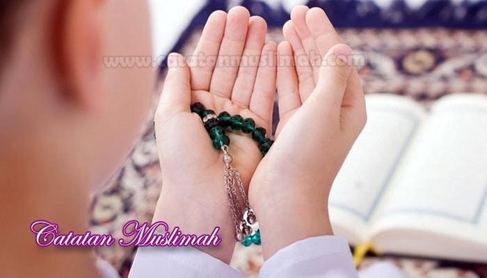 Pengertian Doa Dalam Islam dan Dalilnya Lengkap
